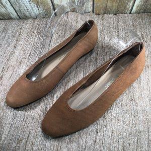 CABIN CREEK Buff Leather Flats